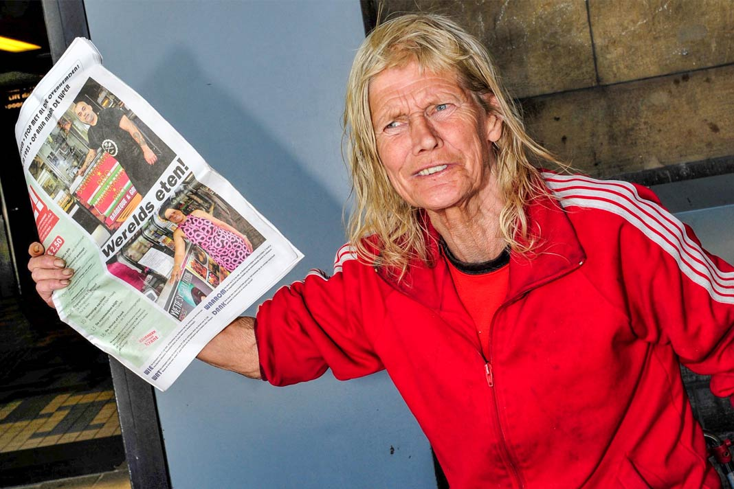 Koop de Z! krant op het Centraal Station in Amsterdam